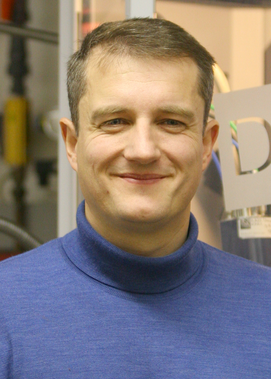 "Prof. Dr. Robert Dinnebier<br />Leader of the Scientific Facility ""X-Ray Diffraction"" at the Max Planck Institute for Solid State Research (MPI-FKF) & Adj. Professor at the University of Stuttgart <br /><br />X-Ray Diffraction"