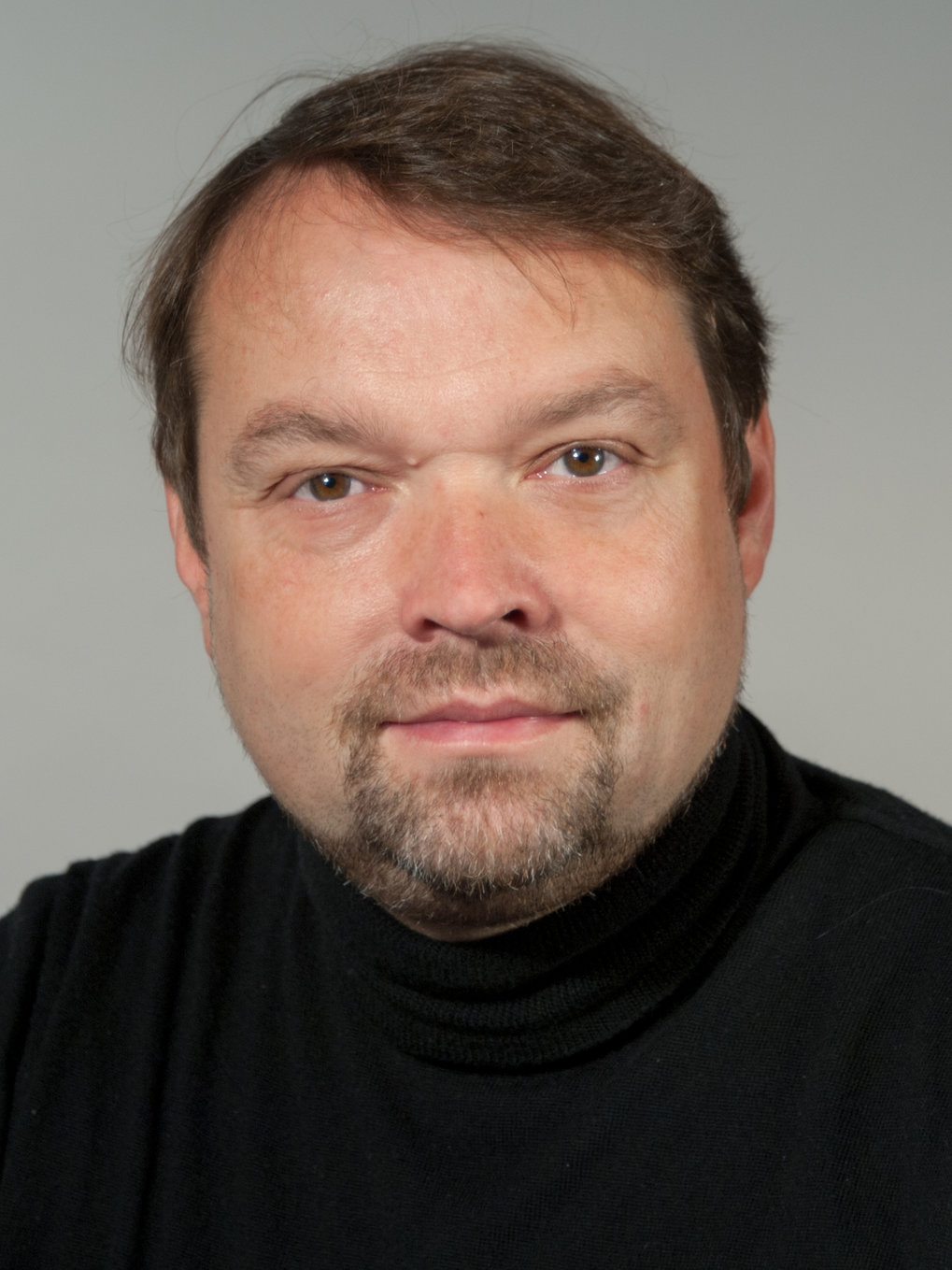 "Prof. Dr. Jürgen Weis<br />Head of the Scientific Facility ""Nanostructuring Lab"" at the Max Planck Institute for Solid State Research (MPI-FKF)<br /><br />Electronic Properties of Mesoscopic and Low-Dimensional Electron Systems"
